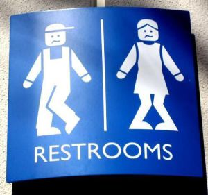 funny-bathroom-signs4